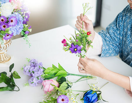 How to Make a Wedding Bouquet with Artificial Flowers?