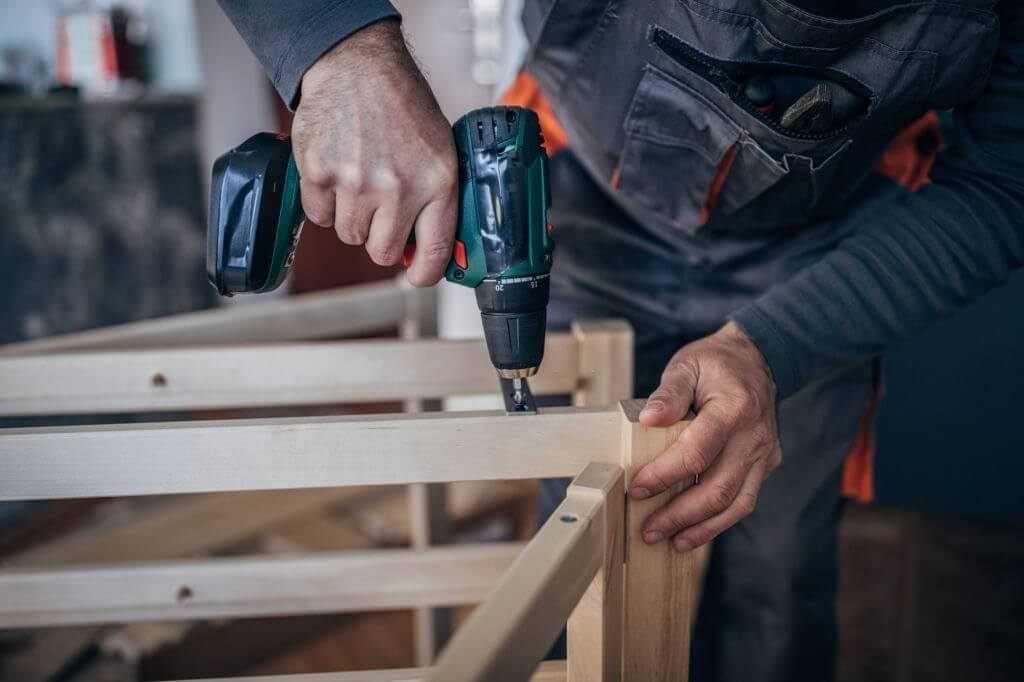 Benefits of a Cordless Screwdriver