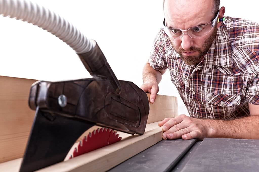 How to Choose The Best Hybrid Table Saw