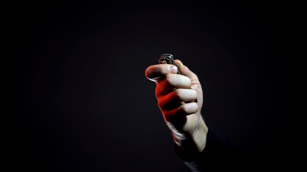 How to close a pocket knife