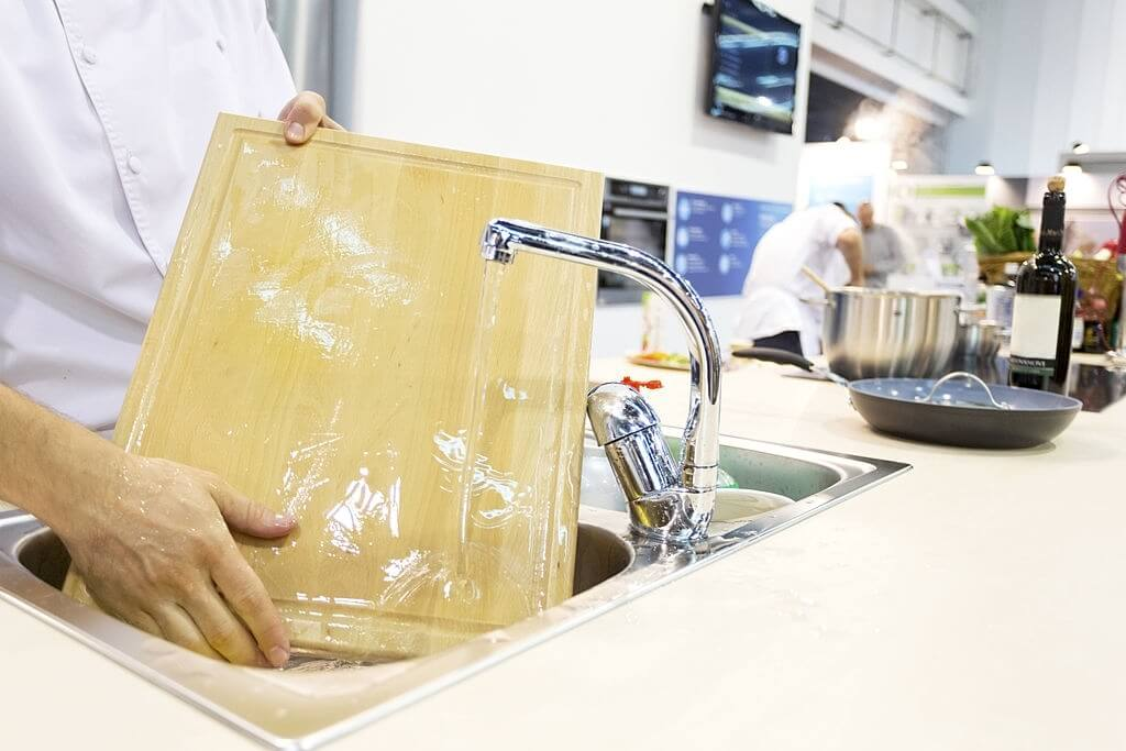 How To Clean Your Chopping Boards